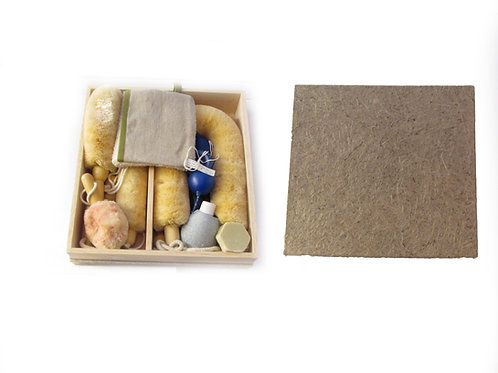 Saunasetti lahjapakkauksessa, pesukinnas, pesuharja, kynttilät