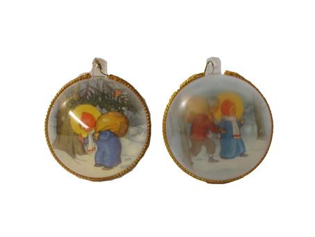 Vanhat joulukuusen koristepallot