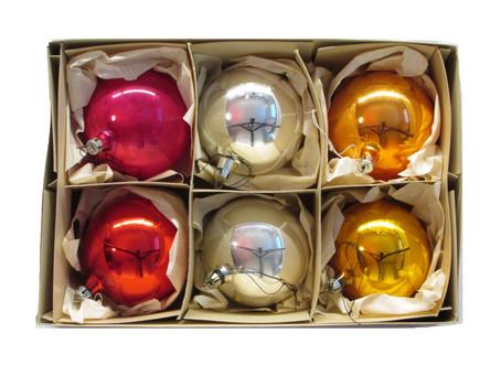 Vanhat joulukoristeet käyttöön