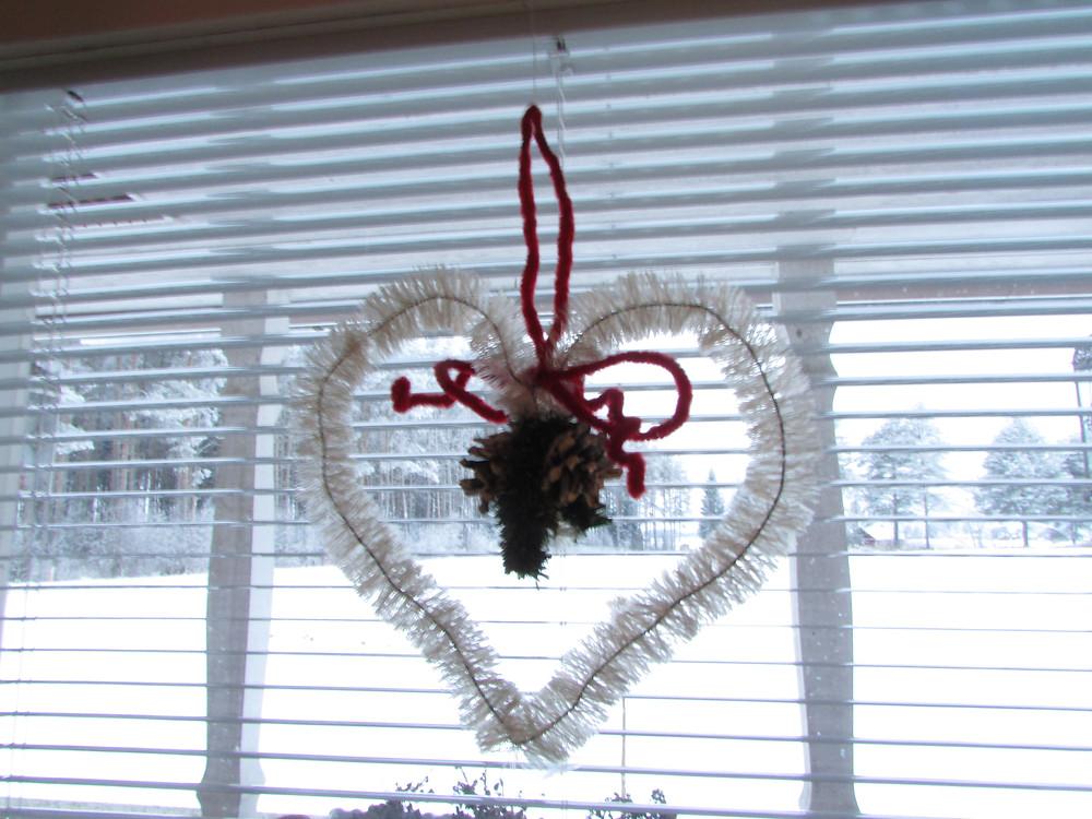Piipunrassi koriste, ikkunakoriste, sydän koriste, joulukoriste