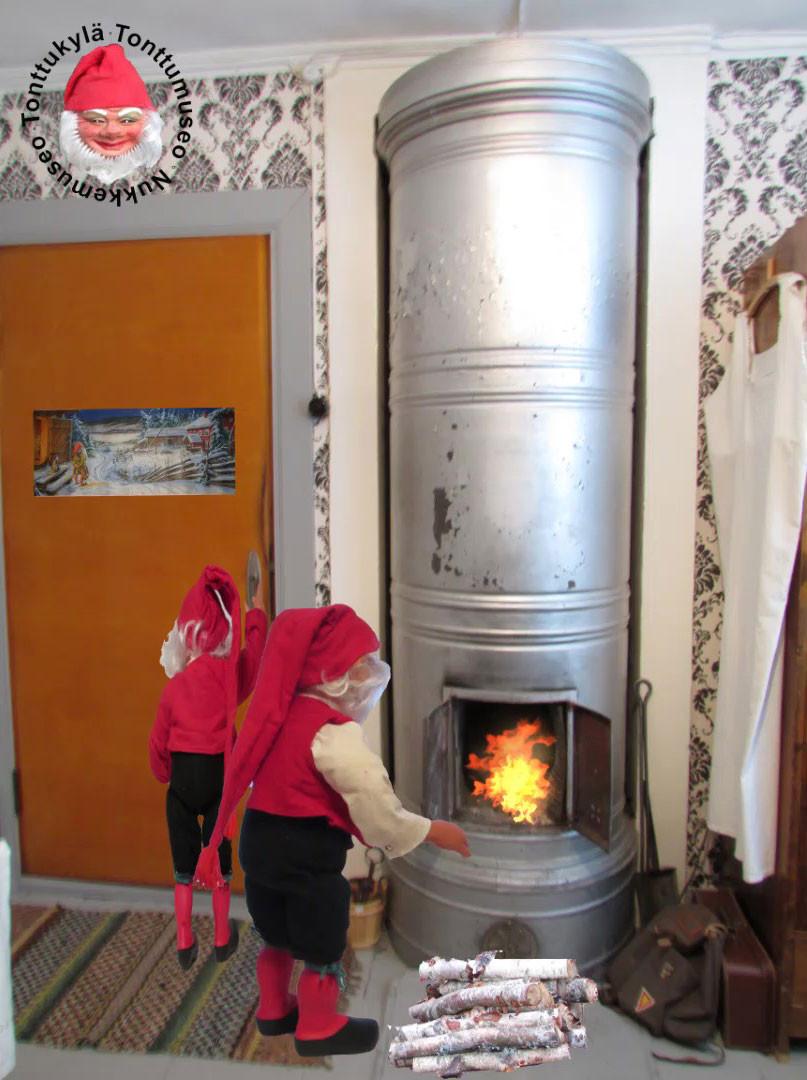 Puulämmitys, pönttöuuni, uuninluukut, pystykuoripiisi, talon lämmitys, vanha talo,