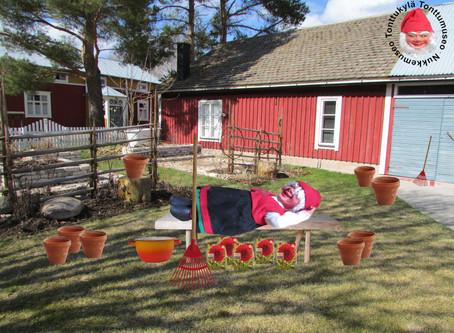 Paljon pihatöitä ja puutarhansuunnittelua