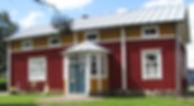 Talonpoikaistalo, maaseutu, maalaiselämä, vanha talo, pohjalaistalo, kuisti, vanhat ikkunat, vanha pihapiiri, vanha puutarha, Nukkemuseo, Pensala Finland, Uusikaarlepyy, vanhat nuket, leut ja nallet, travel, matkusta, kotimaanmatkailu, nähtävyydet, lelumuseo
