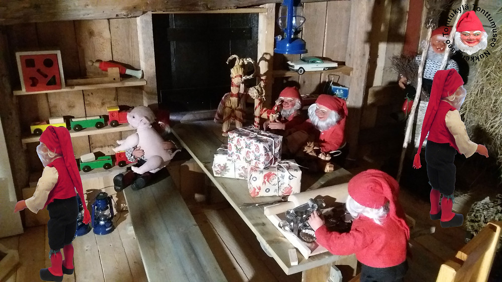 Pirttikalusto, penkki, joulutonttu, tonttujentyöpaja, paketointi, tonttulassa, joulupukin työpaja, tontut leipomassa, tonttu tekee luutia, olkipukki, ikkunanluukku, peltilelu, puulelu, öljylamppu