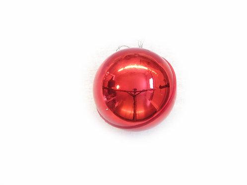 Saumapallo punainen -60 luvulta. Pienet pallot, joulukuusen koristepallot