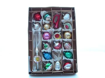 Lasiset joulukuusen koristeet, lasipallot, latvakoriste, joulukuusen koristeet, joulukuusen lasiset koristeet, antiikki joulu,