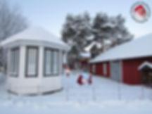 Lumi, lyhty, lumilyhty, talvi, huvimaja, puutarha, maalaistalo, elämä maalla, huvimaja, huvimajan kunnostus