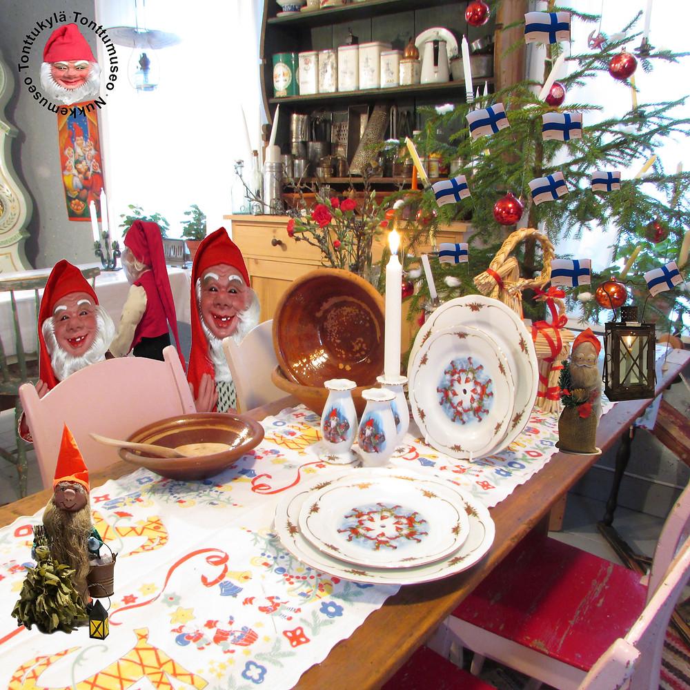 Joulukuusi, savivadit, perinnejoulu, joululiina, vanhanajanjoulu, saunatonttu, joulukoriste, käpytonttu