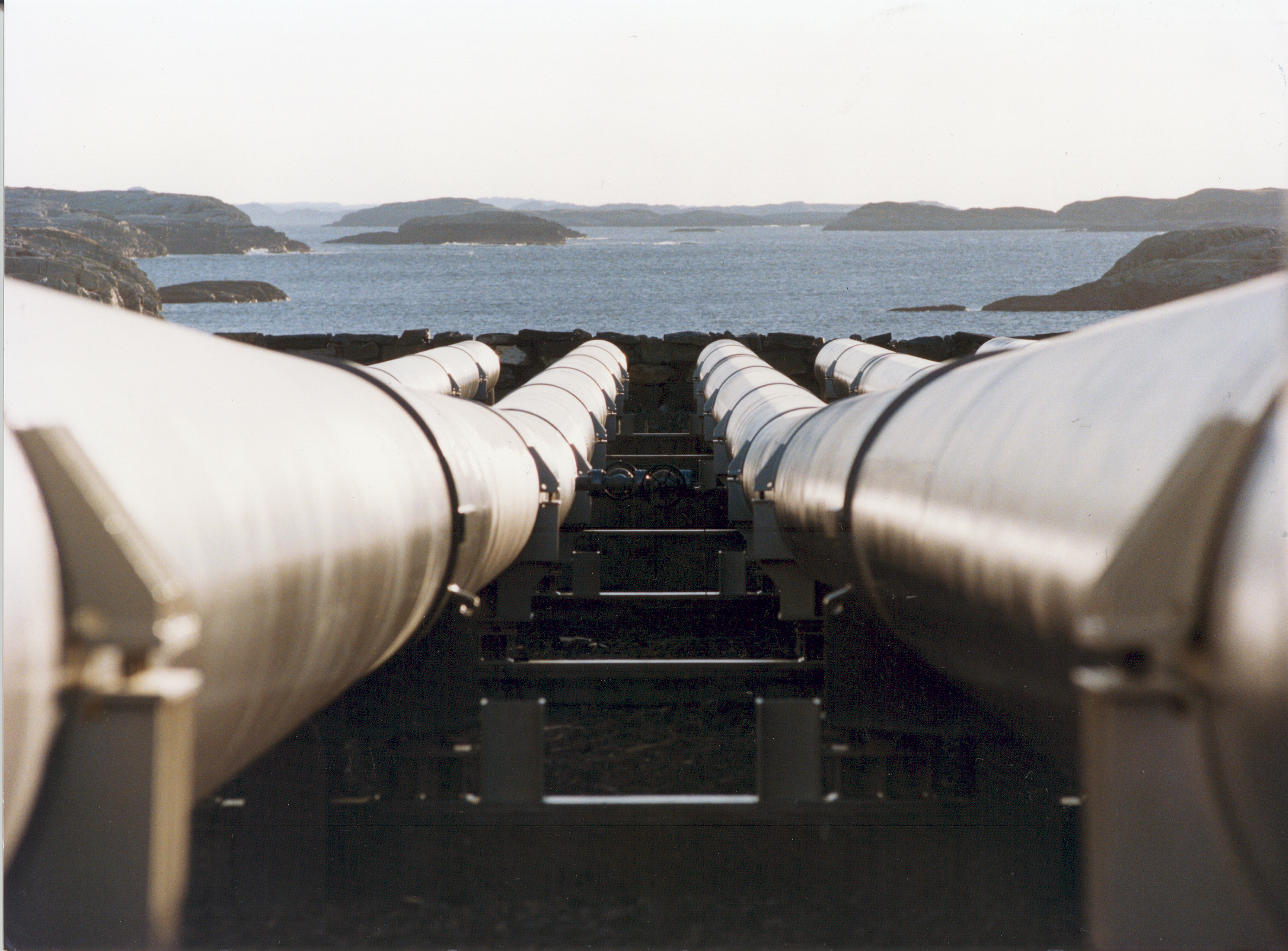 pipelines water