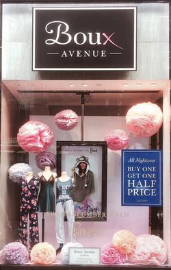 Boux Avenue - Paper Poms