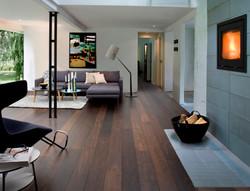 dark-wooden-floor-living-room-home-desig