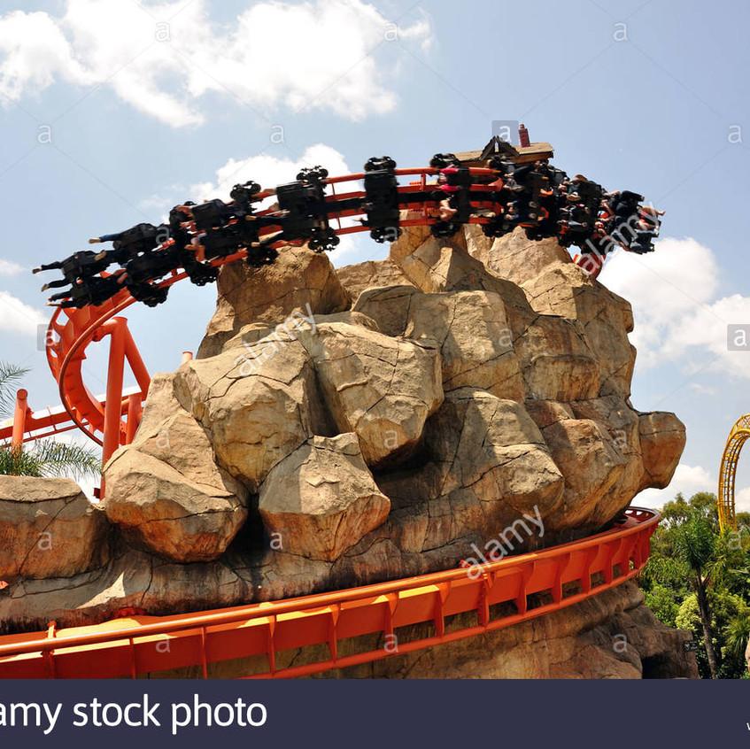 the-anaconda-ride-at-gold-reef-city-theme-park-johannesburg-gauteng-CF5T5T