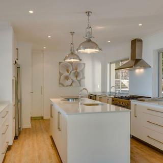 Kitchen Area 2.jpeg