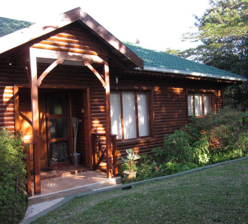 PHOTO 8 - DUIKER CHALET ENTRANCE