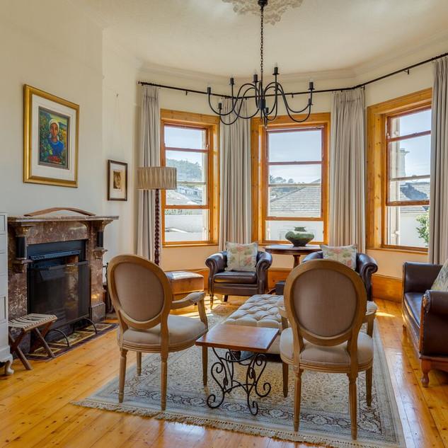 Living Room Area 4.jpeg