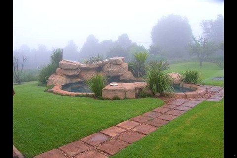 African Silhouette Guesthouse, Retreat & Tea Garden