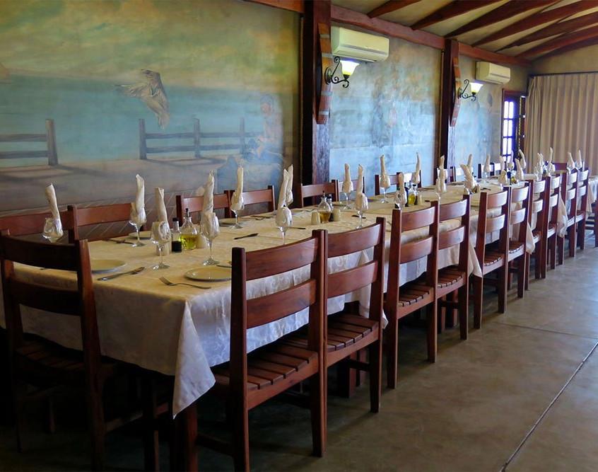 Dining-at-Castelo-Do-Mar