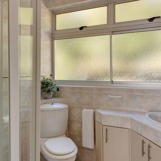 Bathroom Image 4.jpeg