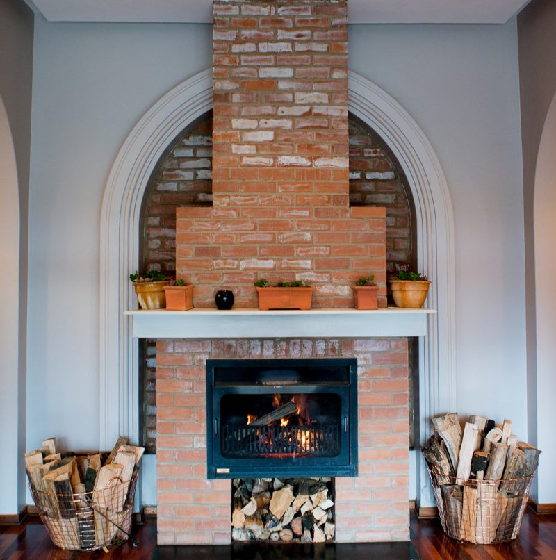 Fireplace-in-Reception