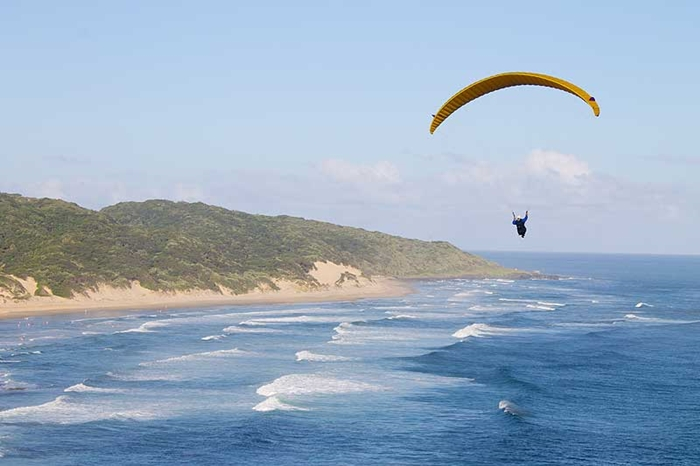 Paragliding-Morgan-Bay