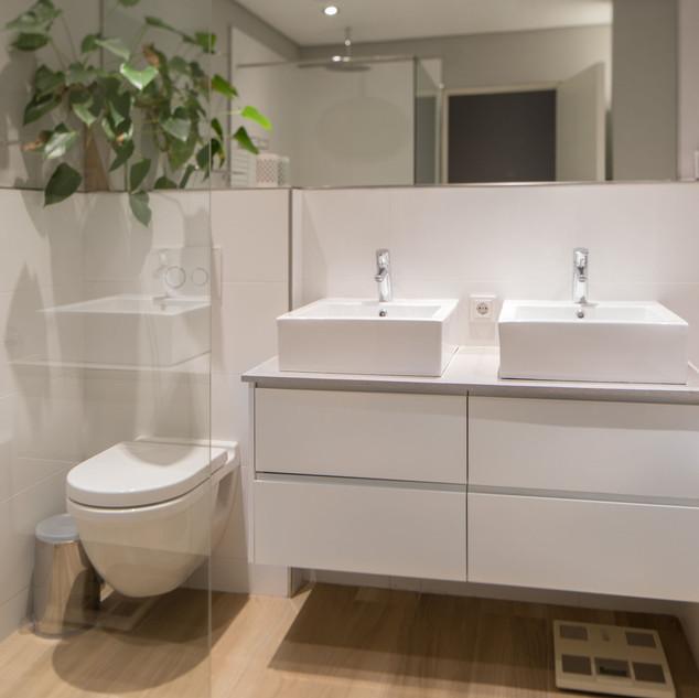 Bathroom Image 3.jpeg