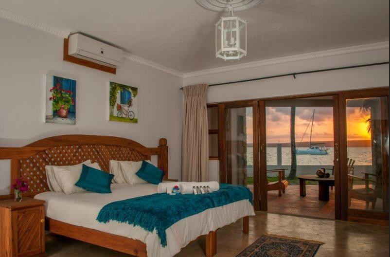 Castelo-Do-Mar-Beachfront-deluxe-room