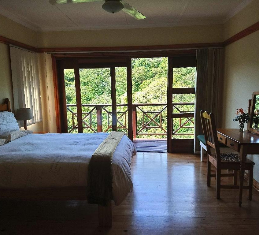 PHOTO 9 - DUIKER CHALET MAIN BEDROOM