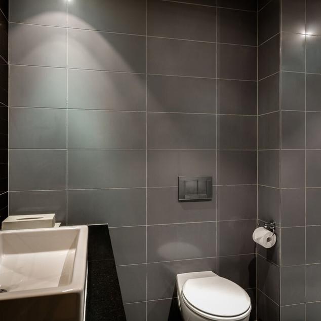 Bathroom Image 2.jpeg