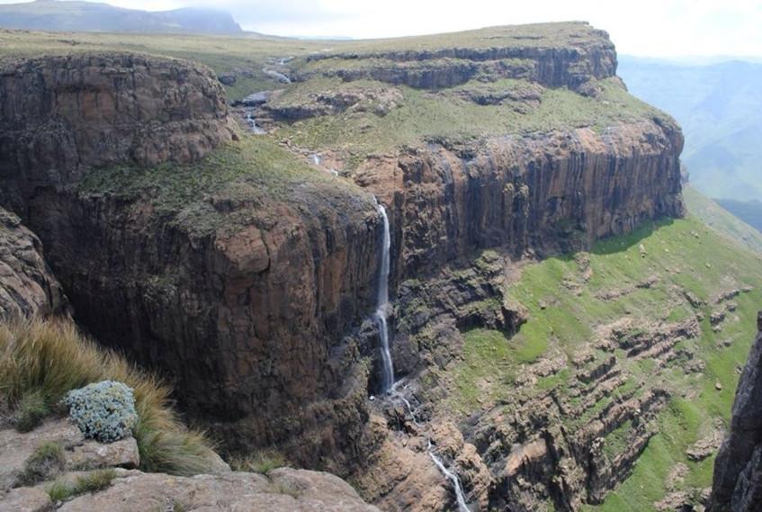 tugela-falls-waterfall-in-royal-natal-national-park-kwazulu-natal-south-africa-1