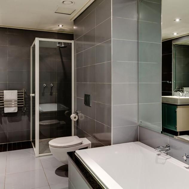 Bathroom Image 1.jpeg