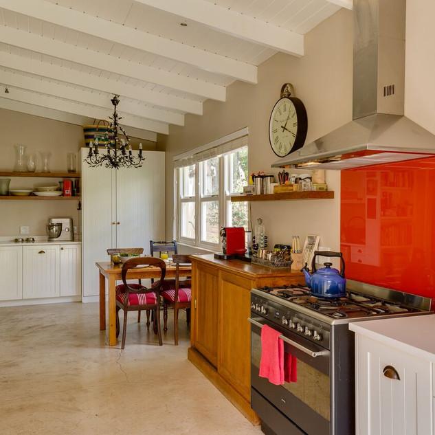 Kitchen Area 1.jpeg