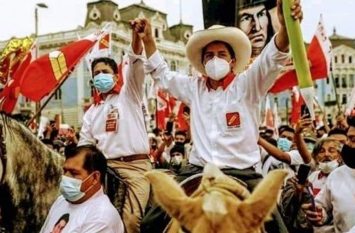 Seoski učitelj na konju juriša ka mjestu predsjednika Perua