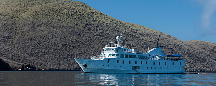 Galapagos Islands vacation - luxury expedition ships, Yacht La Pinta
