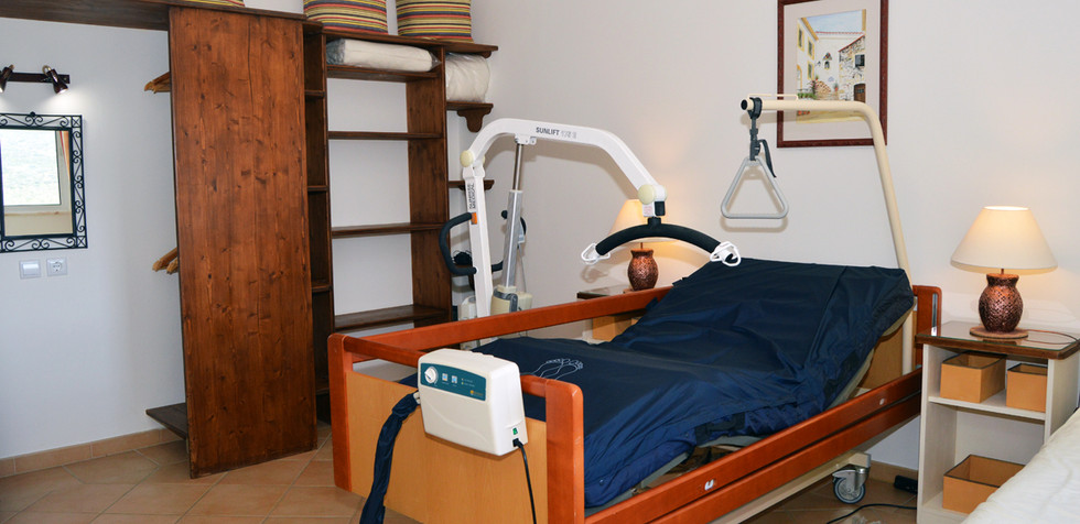 Profiling electric bed
