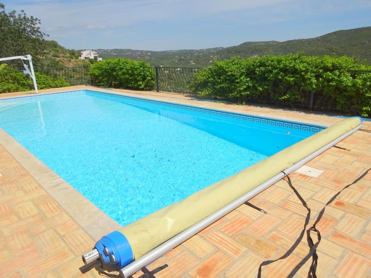 pool_terrace_reverse2.jpg