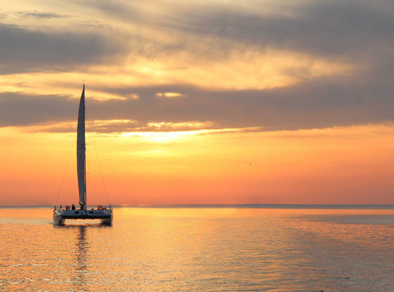 Eclectic Santorini_ Sunset Sailing.jpg