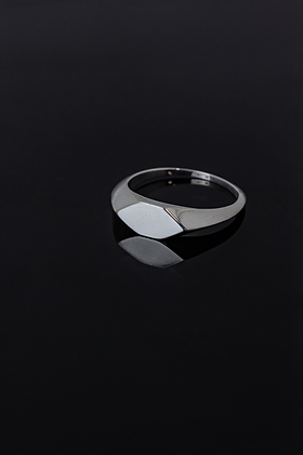 angled signet ring