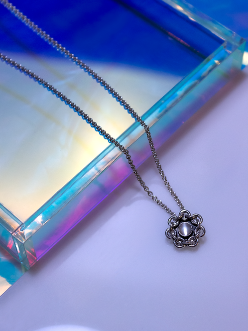 chain framed moonstone necklace