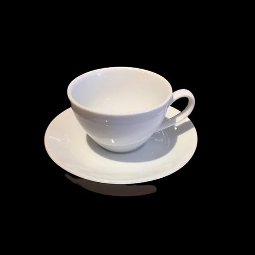 L'ensemble tasse et soucoupe pour espresso