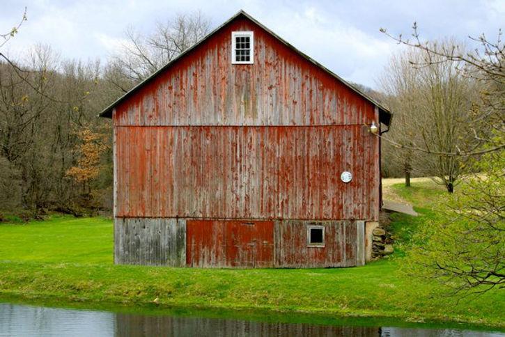 old red barn.jpg