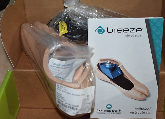 Breeze Foot water proof. Collage Park NEW in BOX. Cat.3
