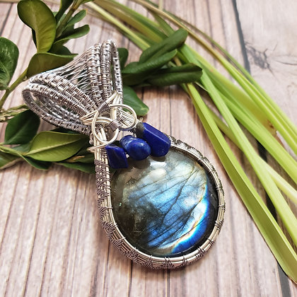 Lovely Blue Labradorite and Lapis Chip Pendant