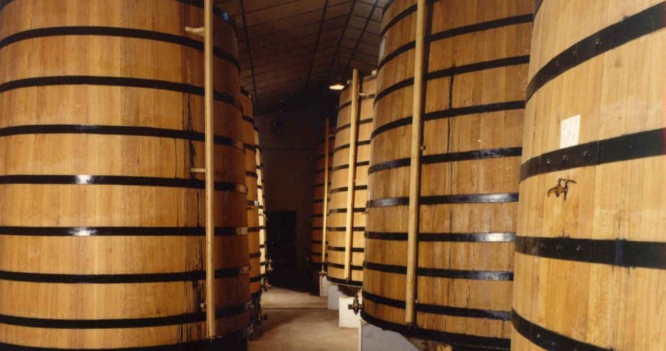 tonneaux chai stockage vieillissement Cognac GIRAUD