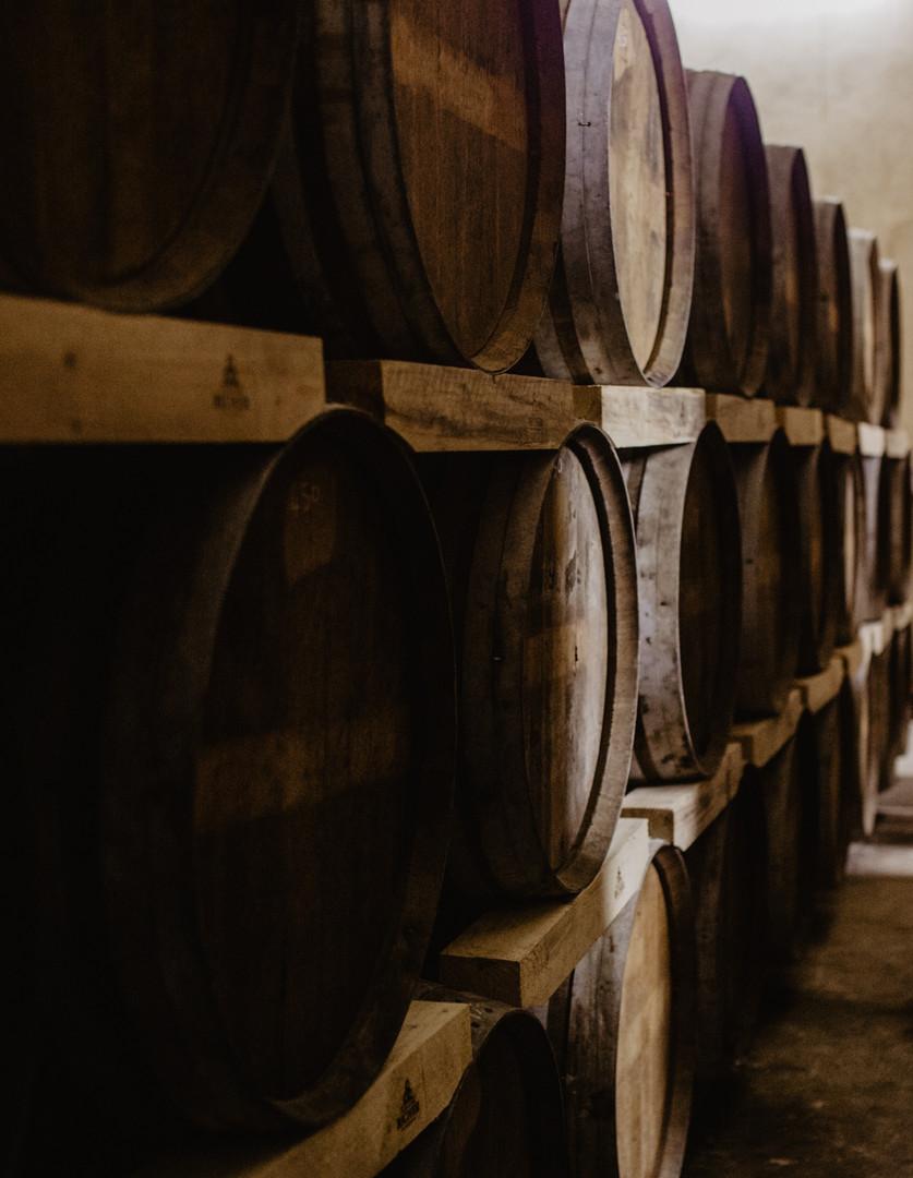 Fûts chai stockage vieillissement Cognac GIRAUD
