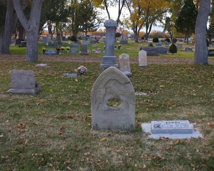 Moonlit graveyard tour just in time for Halloween