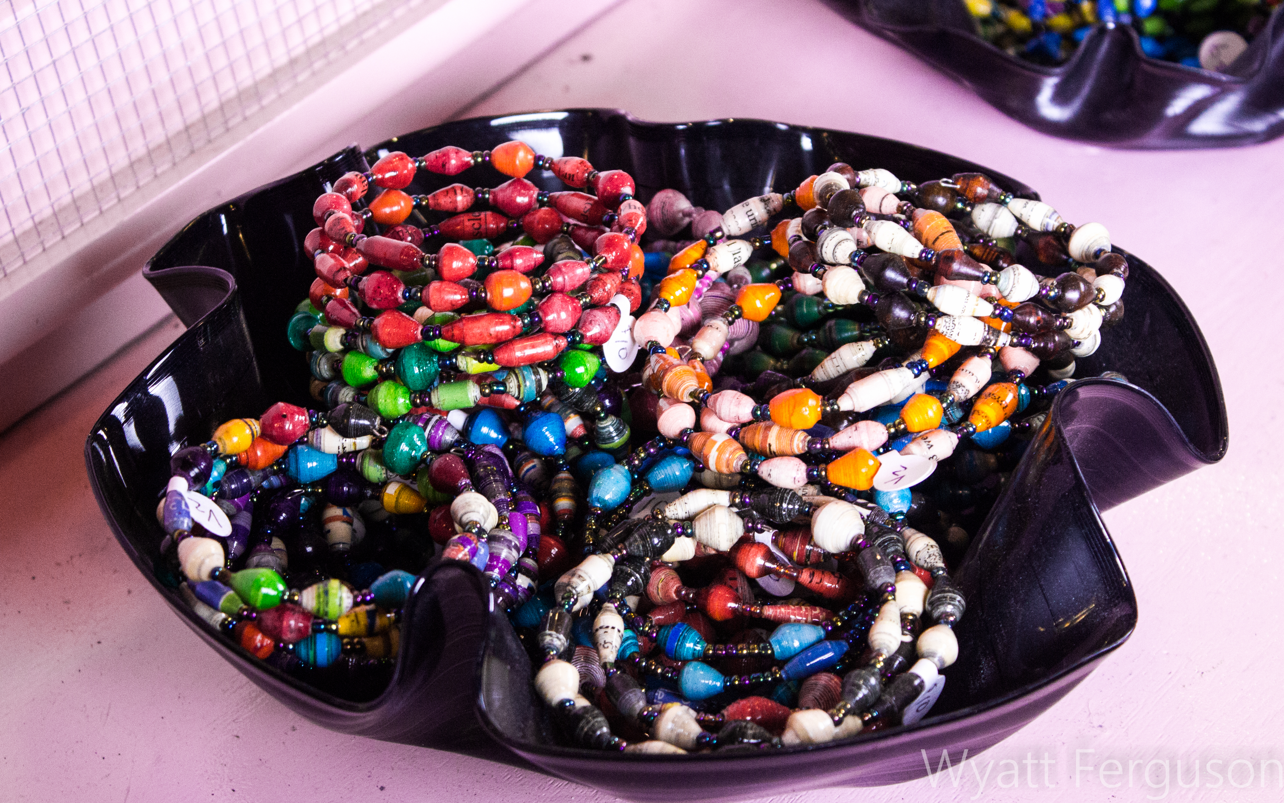 jewelry-paper-wrapped-beads-in-record-bowl_27883694793_o
