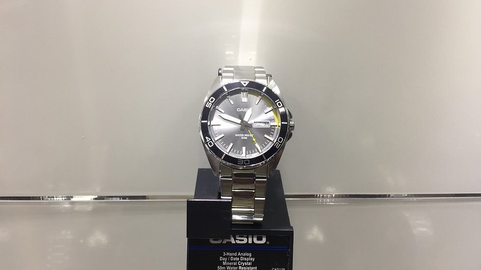 Casio 3- Hand Analog Day /Date Display Mineral Crystal 50m Water Resistant