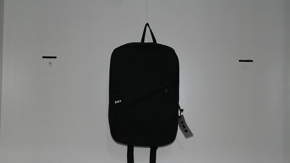 MOCHILA KMA 24L.- BLACK BOX NEGRO
