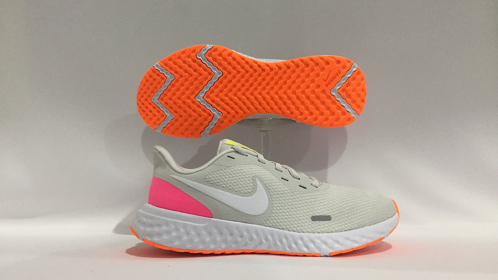 Tenis Nike Revolucion