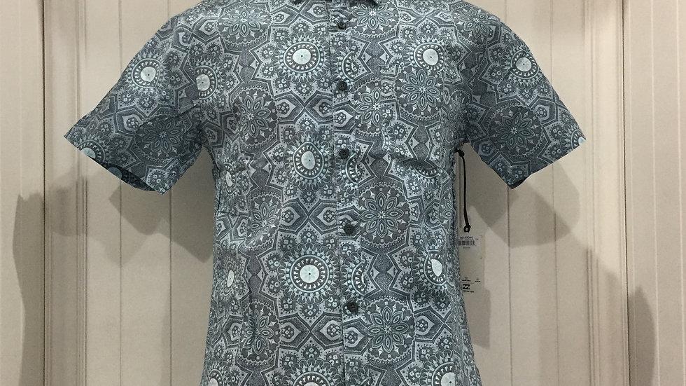 Camisa Billabong TropicsStretch, 100% algodón.